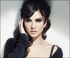 Sunny Leone Gets A Shruti Haasan!!!