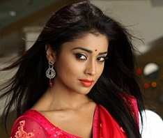 2_276_983_Shriya-Saran-Hot-Saree-Stills-2