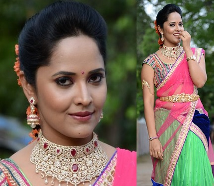 Anchor Anasuya in Half Saree – Latest Stills