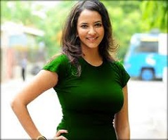 Lakshmi Joins 'Ice Bucket' Brigade