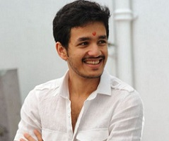Akhil's risky decision about debut