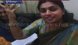 Roja imitates Balakrishna's dialogue in AP Assembly lobbies