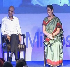 Nadella_with_Smriti_Irani1412091335