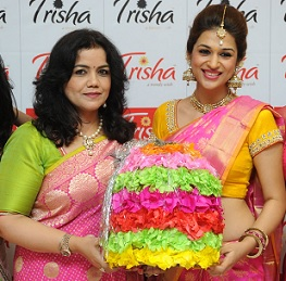 Shraddha Das Launches Dusshera Collections Trisha Boutique Photos