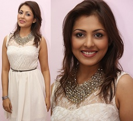 Madhu Shalini New Hot Photos
