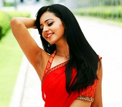 Pic Talk: Rough Heroine in Hot Saree