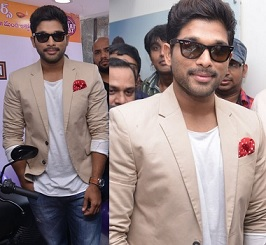Allu Arjun at Lot Mobiles Showroom Launch