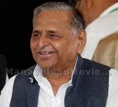 75-feet-long Cake and a Victorian 'buggy' for Mulayam's 76th Birthday