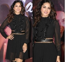 Sunny Leone at Grand finale of Mankind Pharma Contest