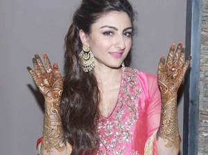 Soha's Mehendi Took 7 Hours