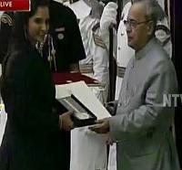 Sania Mirza Receives Rajiv Khel Ratna Award from President Pranab