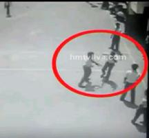 Shocking Video – 10th Class Students Fighting Caught on CCTV Camera
