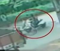 Boy Kidnapping Caught on CCTV | Tanuku