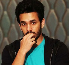 Akhil Attending Classes In Mumbai??