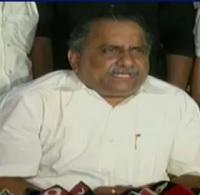 'Naidu fell on YSR feet to protect Balayya'
