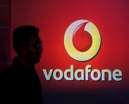 Vodafone introduces free calls, roaming and cheaper data plans to take on Reliance Jio launch in India