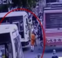 Rajkot : Man Crush in Two Buses