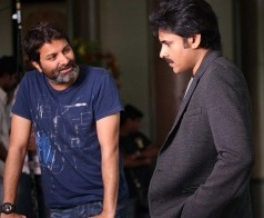 Trivikram Brings Sarrainodu For Pawan!