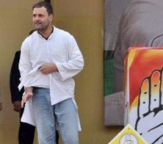 Twitter Laughs at Rahul's Torned kurta!