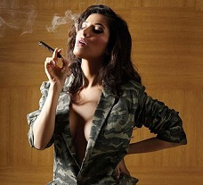 Hot Pic: Smokin' Hot With Cigar