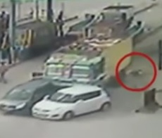 Man Crushed To Death At Nagrota Toll Plaza In Jammu And Kashmir | Exclusive Visuals