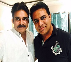 Powerful Selfie: Pawan With KTR @ Katamarayudu