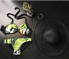 Sam Shares Bikini Pic