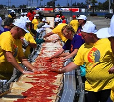 1.9km Long Pizza Enters Guinness World Records