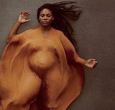 Pregnant Serena Poses Topless
