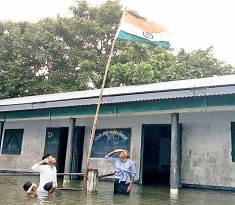 Going Viral: Independence Day in Floods