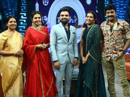 Konchem Touch Lo Unte Cheptha with Rajasekhar Family – 12th Nov