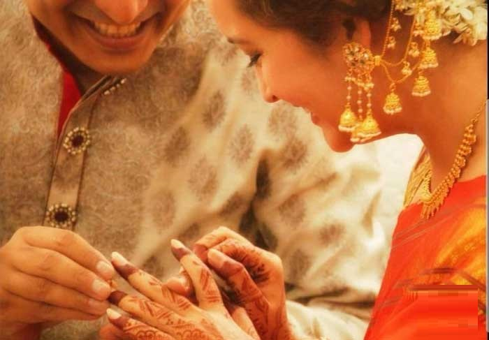 Renu Desai Engaged, Pawan Fans on Heat?