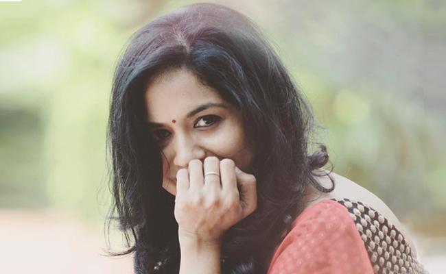 Singer Sunitha's Vague Response