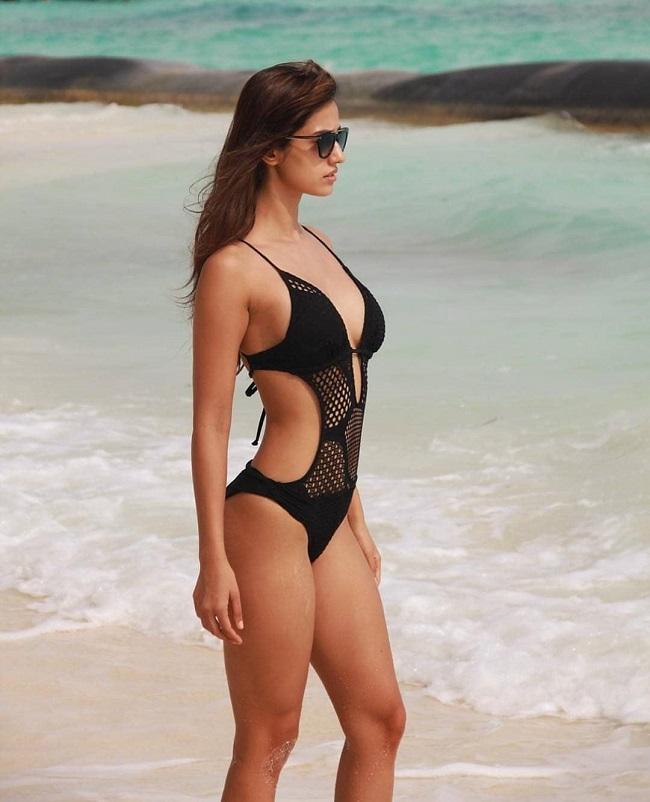Hot Beauty on Beach !