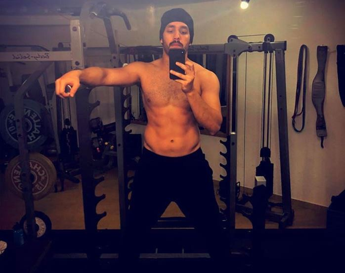 Pic Talk: Mr Majnu flaunts Six Pack Abs