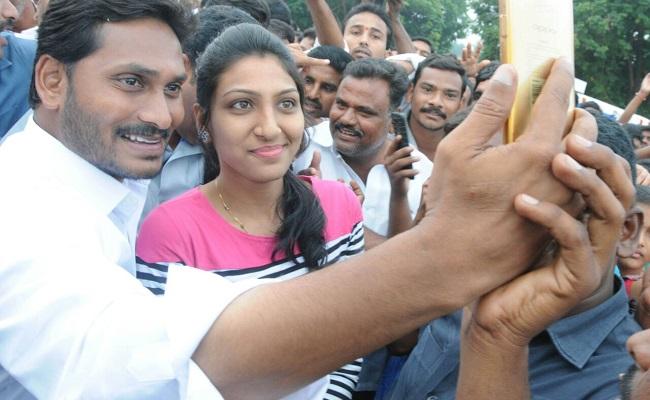 No more selfies and hugs with Jagan in padayatra!