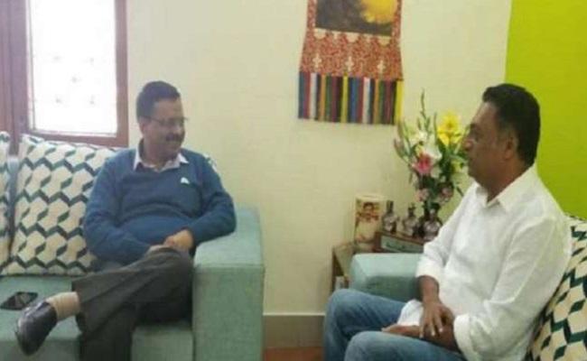 Actor Prakash Raj meets Kejriwal