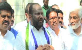 Leaders Making Beeline To Jagan