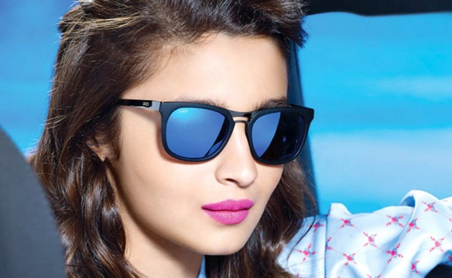 Charan's Heroine To Romance The Superstar