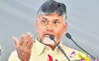 Why EC restrictions only on Andhra, asks Naidu