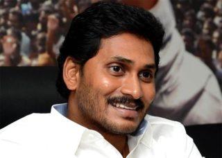 Jagan supports RGV, attacks Babu