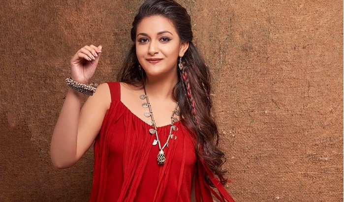 Keerthy Suresh Gets Off Her High Horse After Mahanati