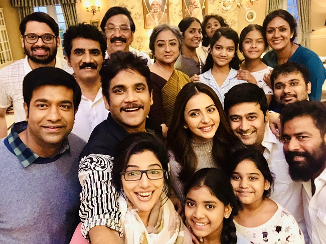 Photo Moment: Manmadhudu and Family