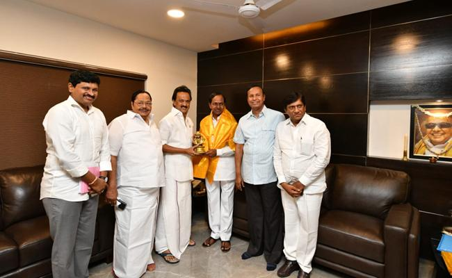 KCR meeting with Stalin not fruitful?