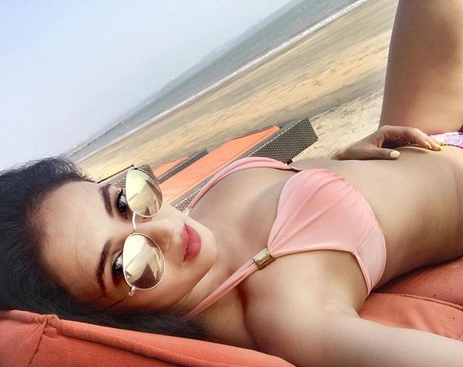 pHOTo Alert: Balakrishna's Heroine's Bikini Treat
