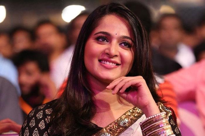 Anushka Shetty denies injury rumours