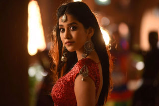This Sizzling Ismart Beauty Needs More Chances
