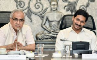 Jagan wants liberal assistance from Centre