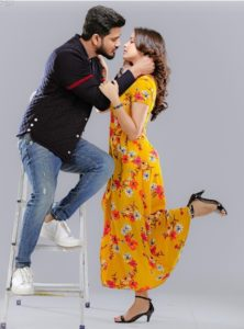 Pic Talk: All Set For A Passionate Kiss
