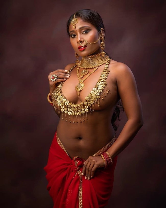 Pic Talk: Maratha girl's naked art!